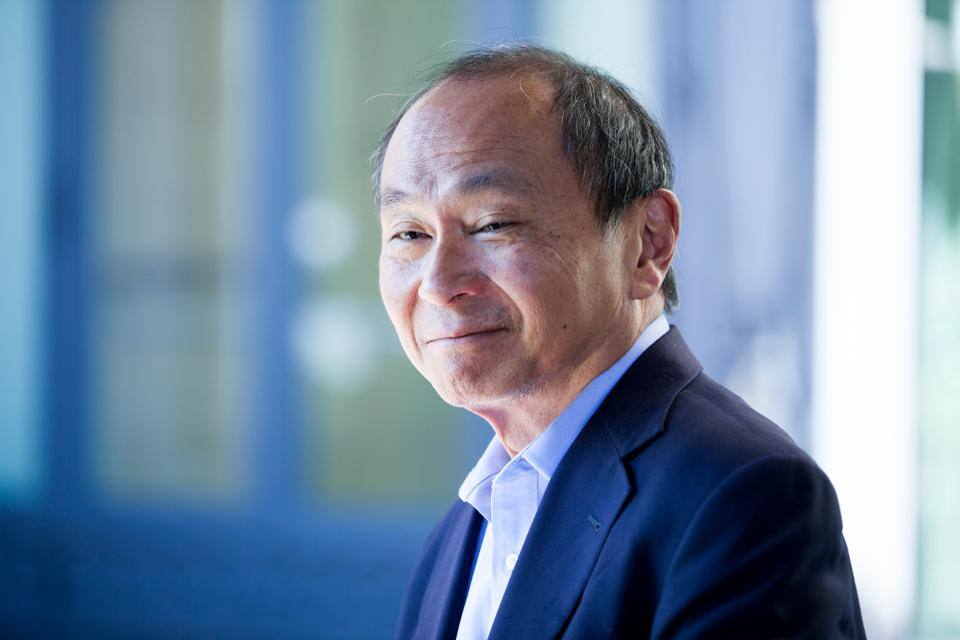 Francis Fukuyama, (1952-) American philosopher and his famous work The End  of History and the Last Man (1992) - Literary Ocean
